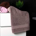 Bavlnený uterák hnedej farby