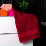 Bavlnený uterák bordovej farby